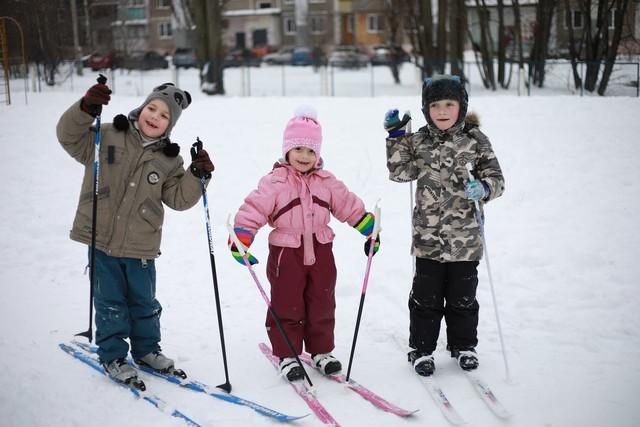 Юные лыжники)
