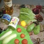 Салат из авокадо, тунца и огурца