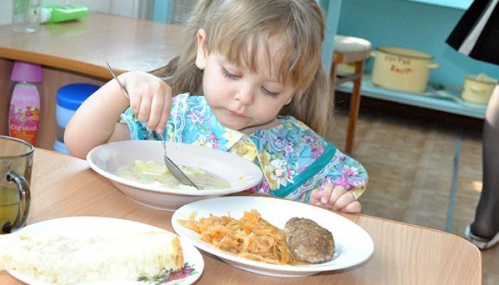 Что у малыша на обед в детских садах разных стран